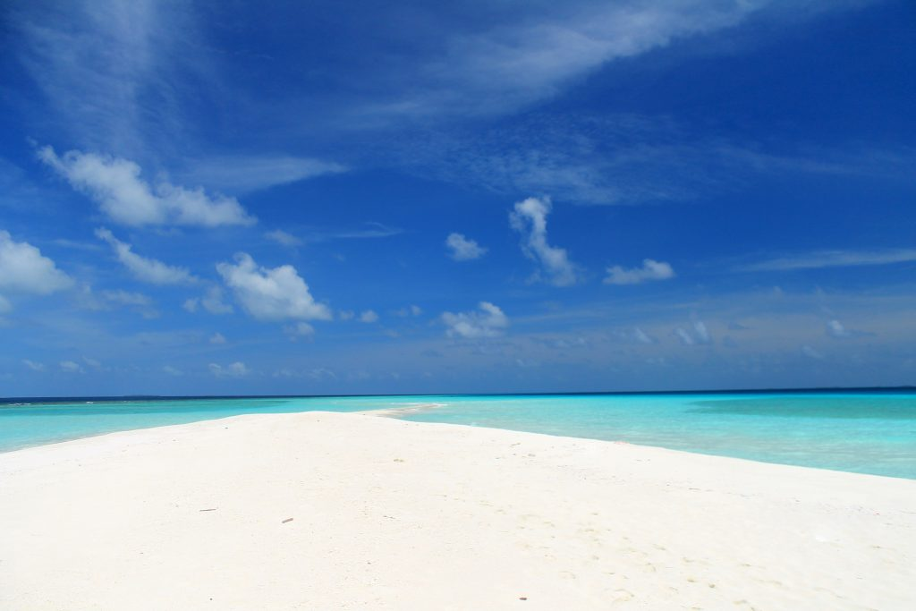 Малък пясъчен остров в близост до Дараванду / Sandbank Near Dharavandhoo