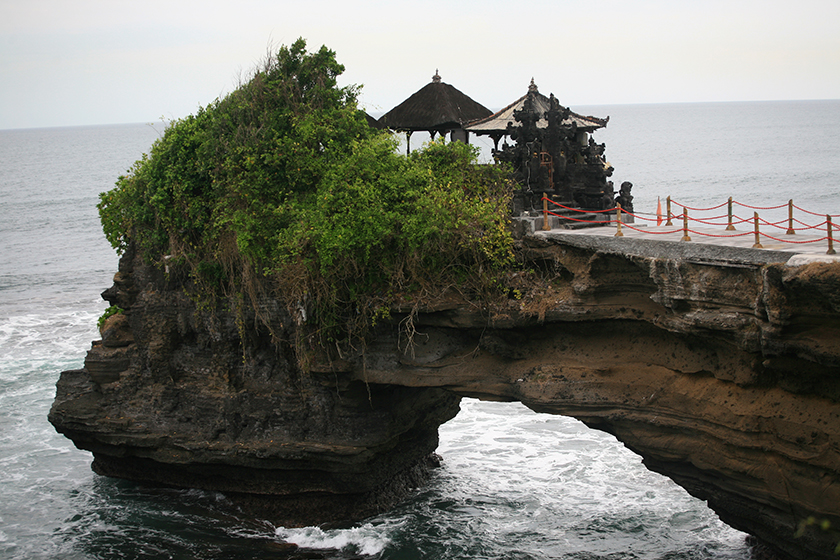 Храмът Тана Лот / Tanah Lot Temple