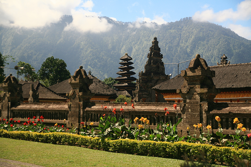 Храмът Улун Дану / Ulun Danu Temple
