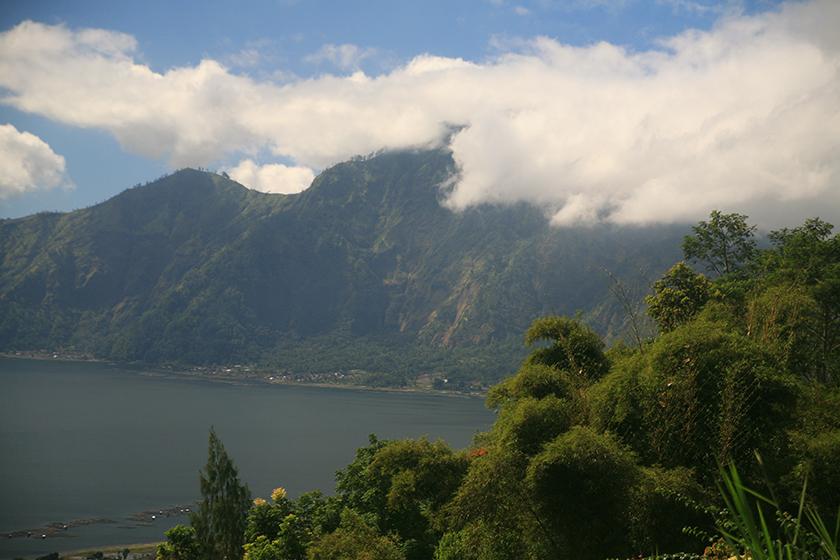 Езерото и вулкана Батур / Batur Volcano and Lake Batur