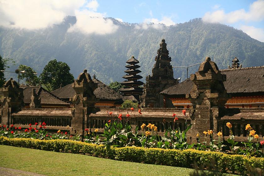 Храмът Улун Дану (Ulun Danu Temple), Bali Island, Остров Бали, Индонезия
