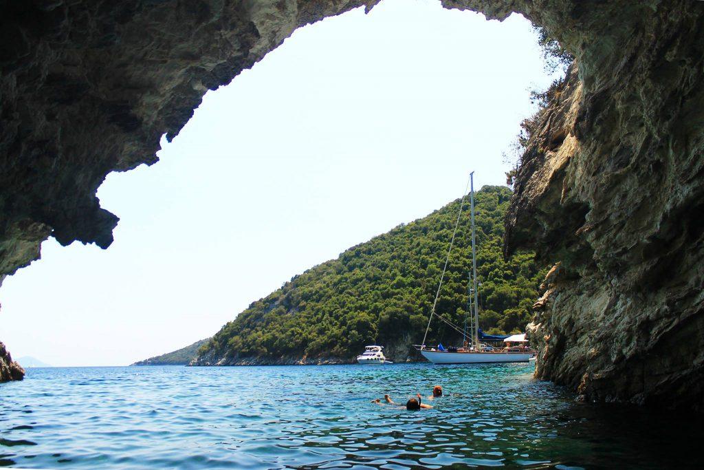 Пещера, Микрос Гялос / Mikros Gialos Cave
