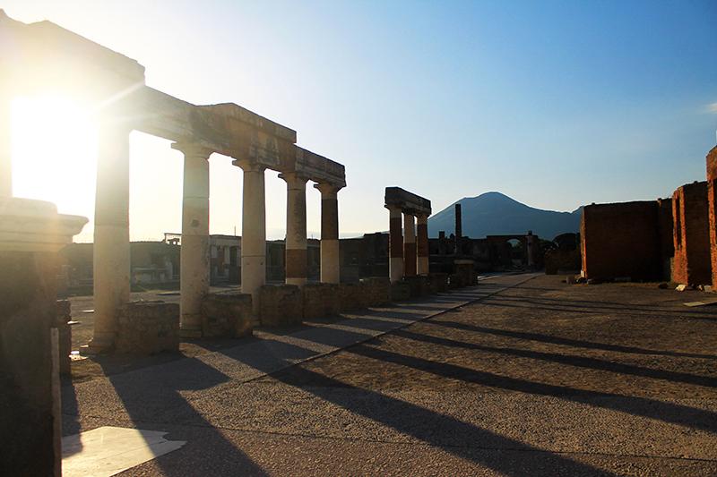 Форумът в Помпей / The Forum Of Pompeii