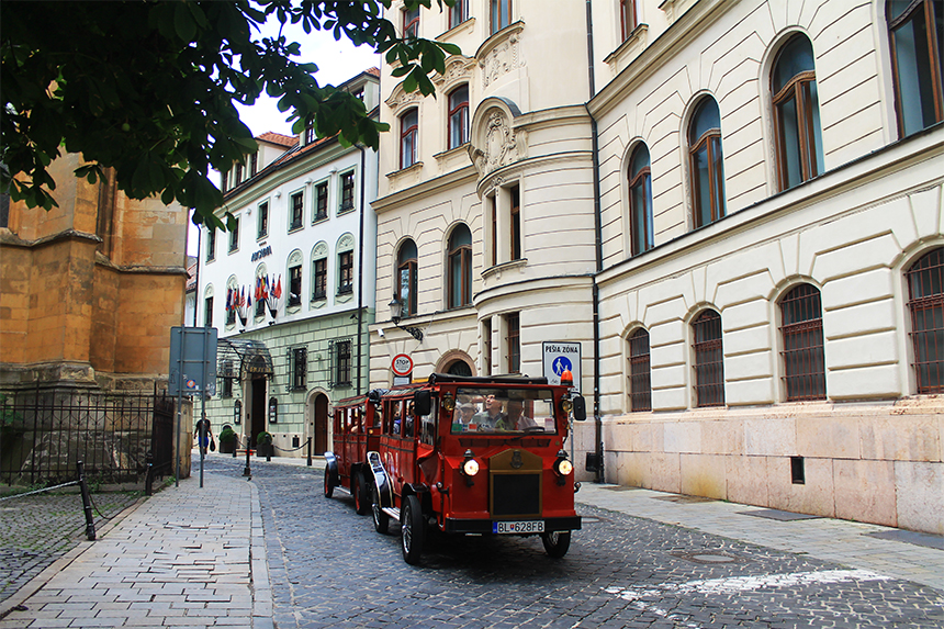 Tourist train drives around the Old Town