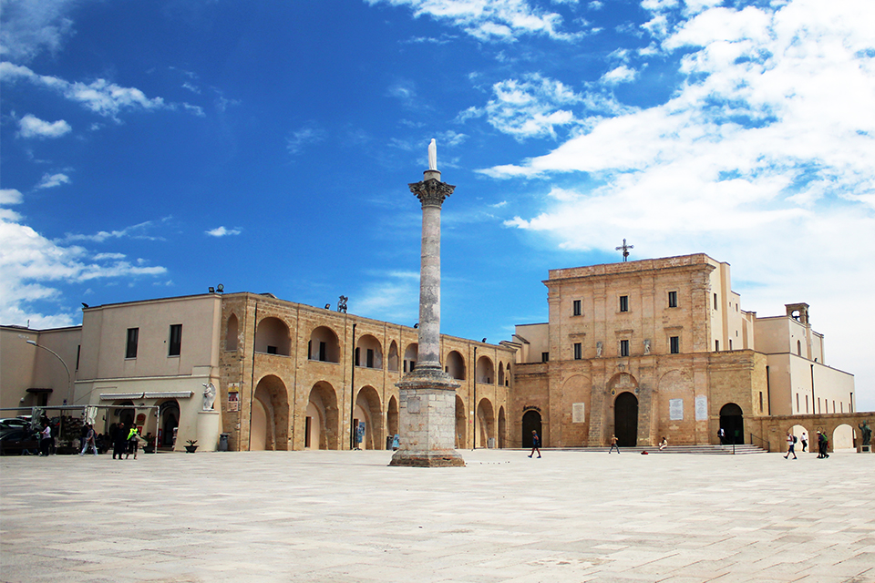 Базилика De Finibus Terrae, Саленто, Пулия, Италия / Basilica of Santa Maria de Finibus Terrae, Salento, Puglia, Italy