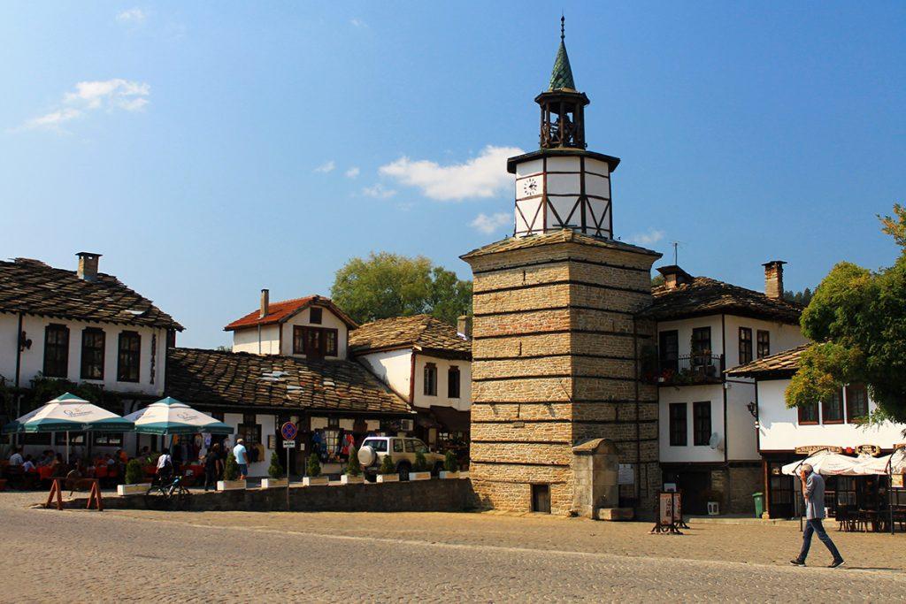 Площад ''Капитан дядо Никола'' с Часовниковата кула